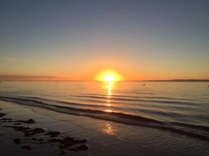 Je veux pour vous la paix et des milliards de couchers de soleils paisibles-mais je ne peux vous les promettre